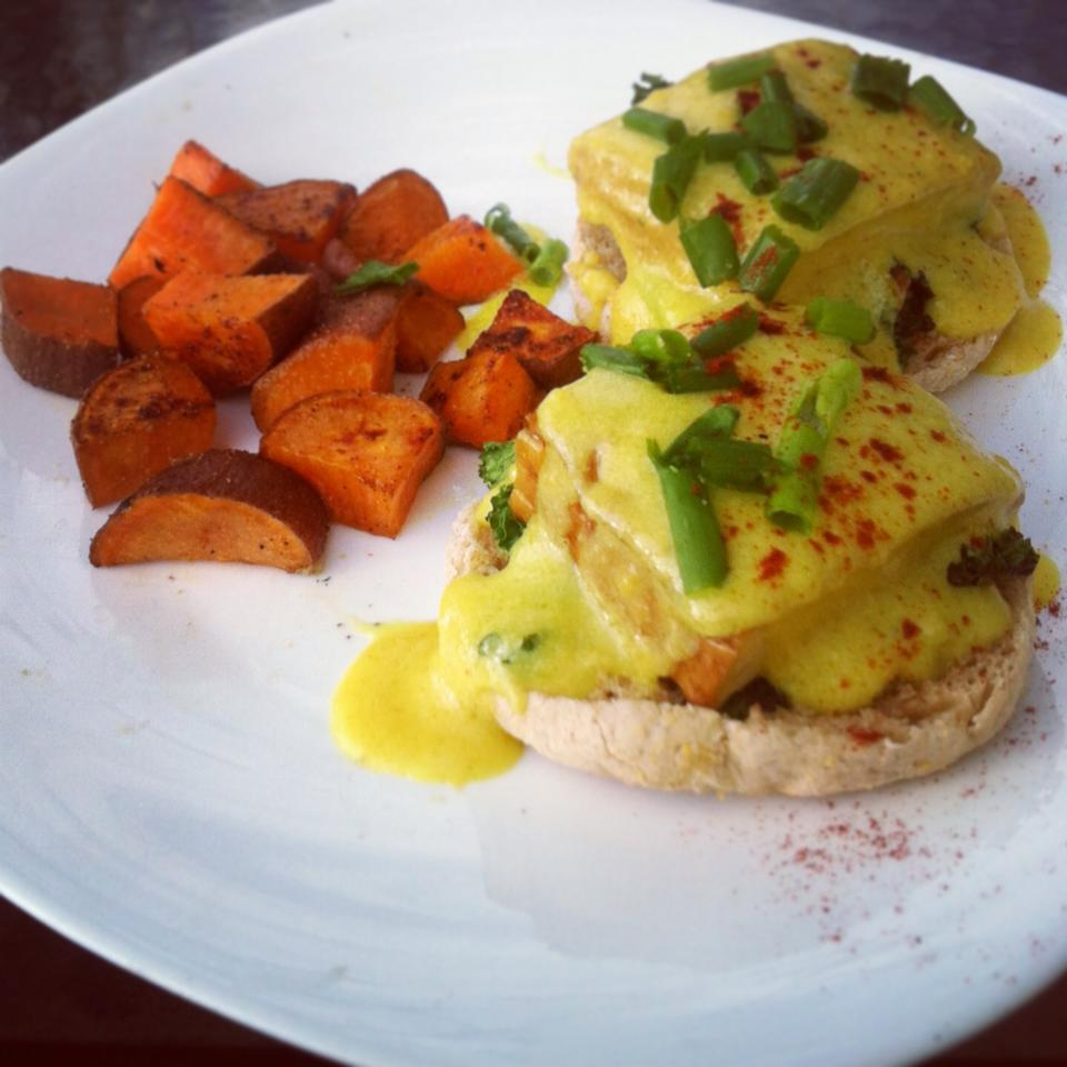 smoked tofu and kale benedict, with YAMS