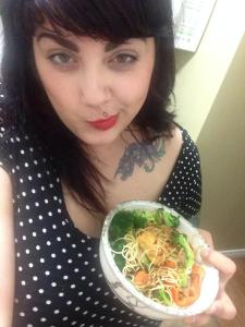 oh hai heres some n00dz. i frickin love chow mien!