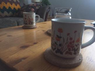 drinkin' columbian pourover out of these lil qt cups!